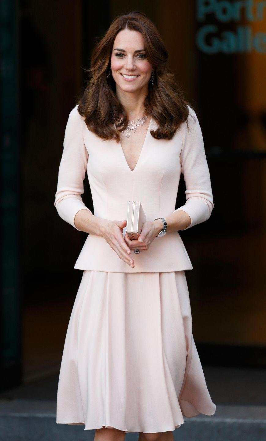 <p>To mark the occasion of portraits of herself going up in the National Portrait Gallery, Kate recycled the pale pink McQueen. </p>