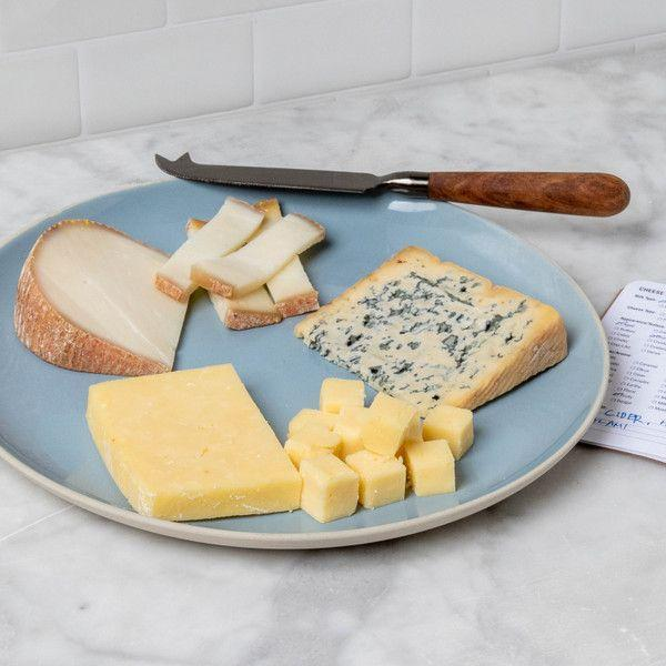 """<p><strong>Murray's</strong></p><p>murrayscheese.com</p><p><strong>$75.00</strong></p><p><a href=""""https://go.redirectingat.com?id=74968X1596630&url=https%3A%2F%2Fwww.murrayscheese.com%2Fcheesemongers-picks-of-the-month&sref=https%3A%2F%2Fwww.goodhousekeeping.com%2Fholidays%2Fgift-ideas%2Fg28497189%2Fbest-gifts-for-foodies%2F"""" rel=""""nofollow noopener"""" target=""""_blank"""" data-ylk=""""slk:Shop Now"""" class=""""link rapid-noclick-resp"""">Shop Now</a></p><p>Twelve months of cheese? This is the gift that keeps on giving.</p>"""