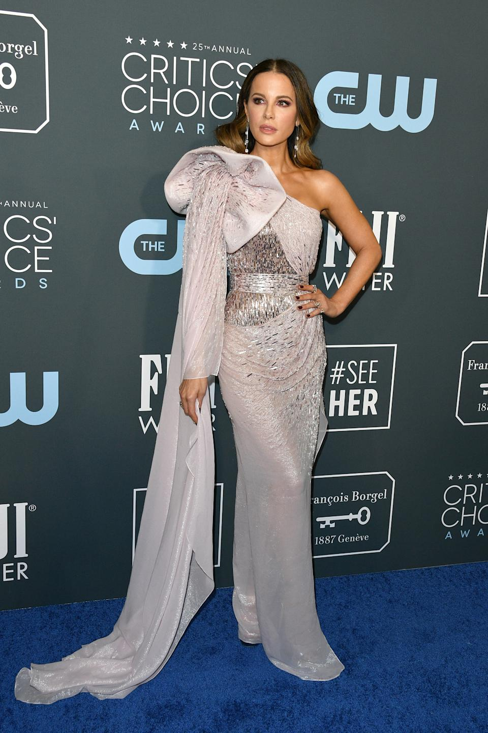 Kate Beckinsale attends the 25th Annual Critics' Choice Awards held at Barker Hangar on January 12, 2020 in Santa Monica, California.