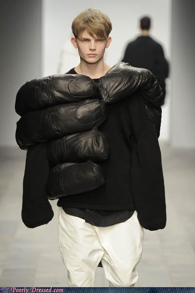 """<div class=""""caption-credit""""> Photo by: poorlydressed.failblog.org</div>The King Kong Grab Look"""