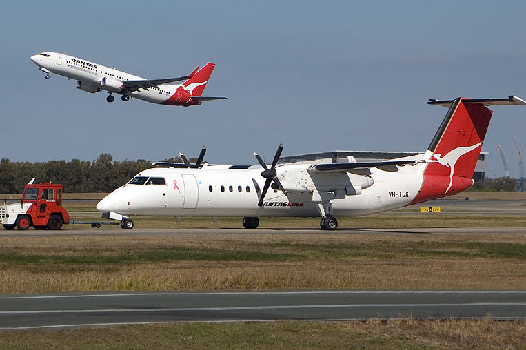 The Qantas Link aircraft landed safely: Wikimedia