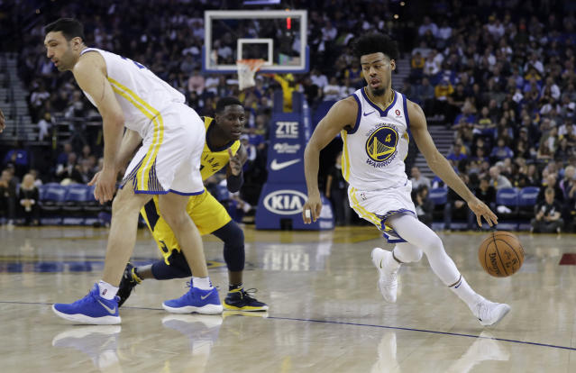 "<a class=""link rapid-noclick-resp"" href=""/nba/teams/gsw"" data-ylk=""slk:Golden State Warriors"">Golden State Warriors</a>' <a class=""link rapid-noclick-resp"" href=""/nba/players/5588/"" data-ylk=""slk:Quinn Cook"">Quinn Cook</a> (4) drives around Indiana Pacers' Darren Collison, center, on a screen from <a class=""link rapid-noclick-resp"" href=""/nba/players/3745/"" data-ylk=""slk:Zaza Pachulia"">Zaza Pachulia</a>, left, during the second half of an NBA basketball game Tuesday, March 27, 2018, in Oakland, Calif. (AP Photo/Marcio Jose Sanchez)"