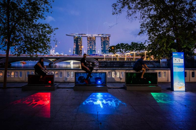 Light Lane by Felix Marzell, DIX au carre at Light to Night Festival 2020: Invisible Cities in Singapore. (PHOTO: National Gallery Singapore)