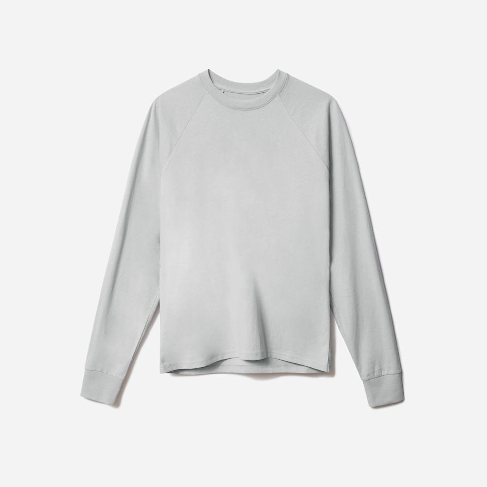"<p><strong>Everlane</strong></p><p>everlane.com</p><p><strong>$20.00</strong></p><p><a href=""https://go.redirectingat.com?id=74968X1596630&url=https%3A%2F%2Fwww.everlane.com%2Fproducts%2Fmens-prem-wt-lslv-crew-harbor-grey&sref=https%3A%2F%2Fwww.esquire.com%2Fstyle%2Fmens-fashion%2Fg35086246%2Feverlane-end-of-year-sale-2020%2F"" rel=""nofollow noopener"" target=""_blank"" data-ylk=""slk:Buy"" class=""link rapid-noclick-resp"">Buy</a></p>"