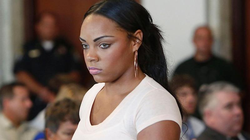Aaron Hernandez Girlfriend Has 'Don't Ask, Don't Tell' Policy Despite Immunity