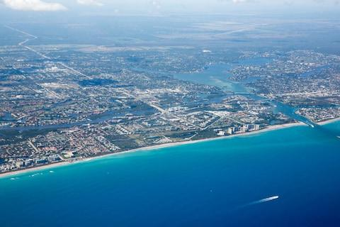 Palm Beaches' 47-mile shoreline - Credit: istock