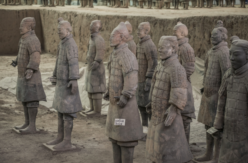 China sends experts to fix  terracotta warrior in US