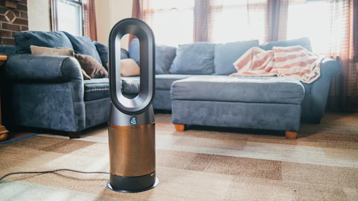 Air purifiers can help to eliminate pollution from both indoor and outdoor sources.