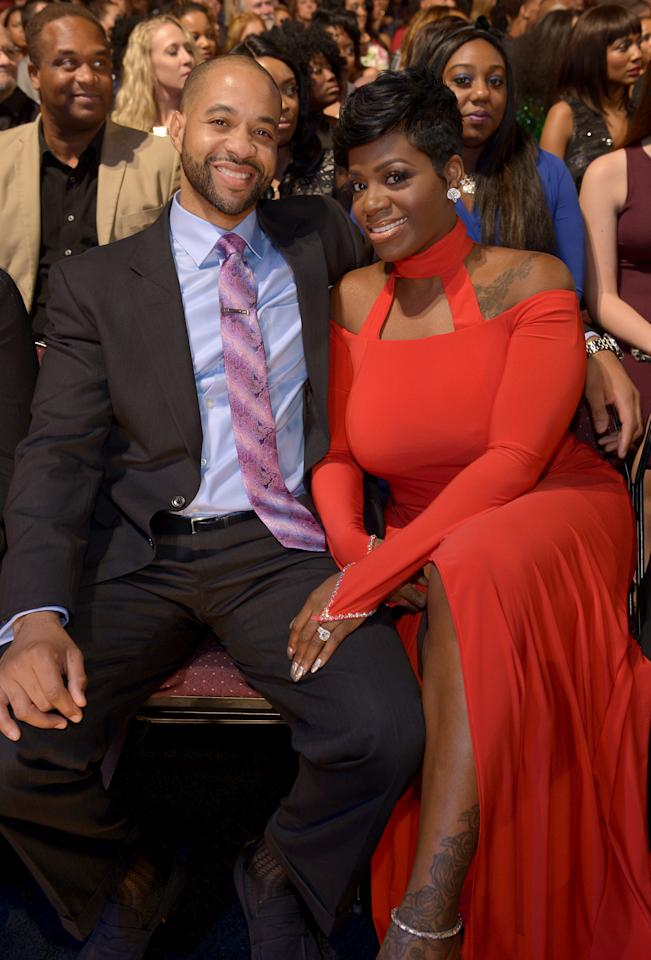 <p>The Taylors pose for the camera at the 2015 Soul Train Awards and show us just how inseperable they truly are.</p>