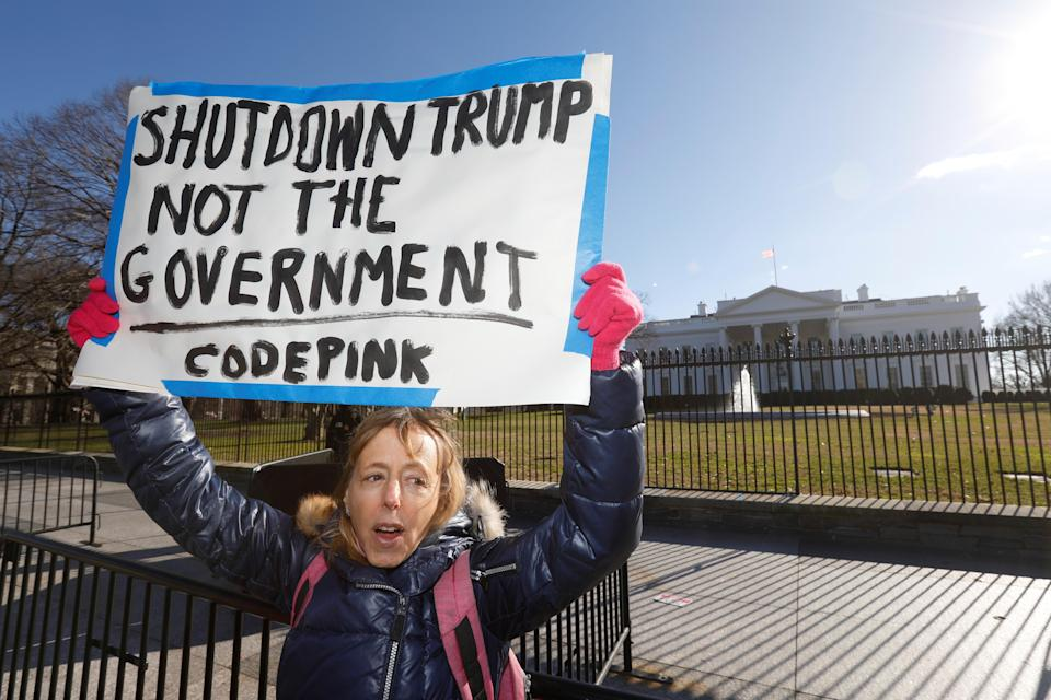 """Code Pink co-founder Medea Benjamin joins U.S. federal government workers and other demonstrators during a """"Rally to End the Shutdown"""" outside the White House in Washington, D.C., Jan.10, 2019. (Photo: Kevin Lamarque/Reuters)"""