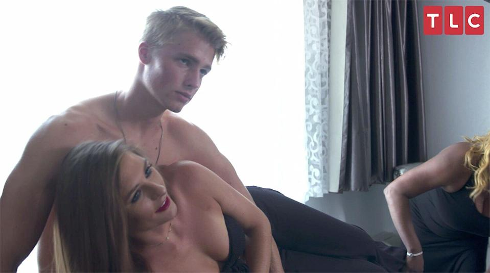 Welcome to Plathville 's Micah Strips Down for Sexy 'Pillow Talk' Photo Shoot in Sneak Peek