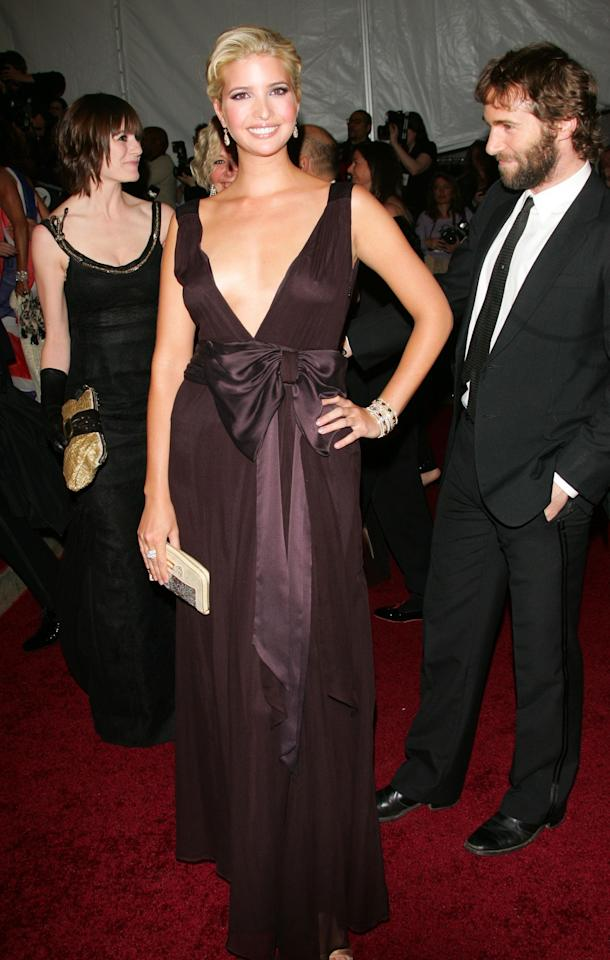 <p>Ivanka kept it simple in this unfussy brown number.</p>
