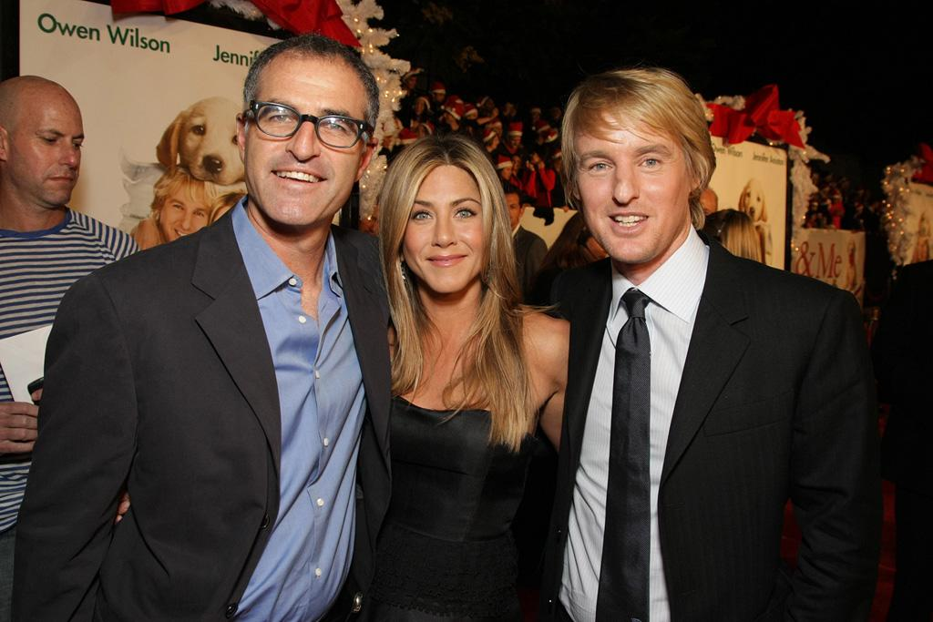 "Director <a href=""http://movies.yahoo.com/movie/contributor/1800145510"">David Frankel</a>, <a href=""http://movies.yahoo.com/movie/contributor/1800021397"">Jennifer Aniston</a> and <a href=""http://movies.yahoo.com/movie/contributor/1800019255"">Owen Wilson</a> at the Los Angeles premiere of <a href=""http://movies.yahoo.com/movie/1809995057/info"">Marley & Me</a> - 12/11/2008"