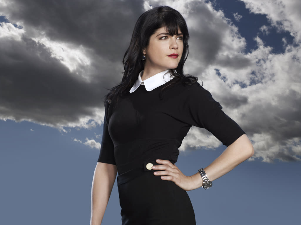 """Selma Blair stars as Kate Wales in """"Anger Management"""" on FX."""