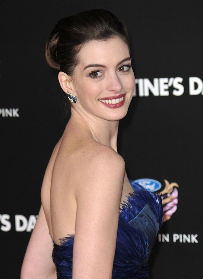 """<a href=""""http://movies.yahoo.com/movie/contributor/1804705919"""">Anne Hathaway</a> at the Los Angeles premiere of <a href=""""http://movies.yahoo.com/movie/1810094501/info"""">Valentine's Day</a> - 02/08/2010"""