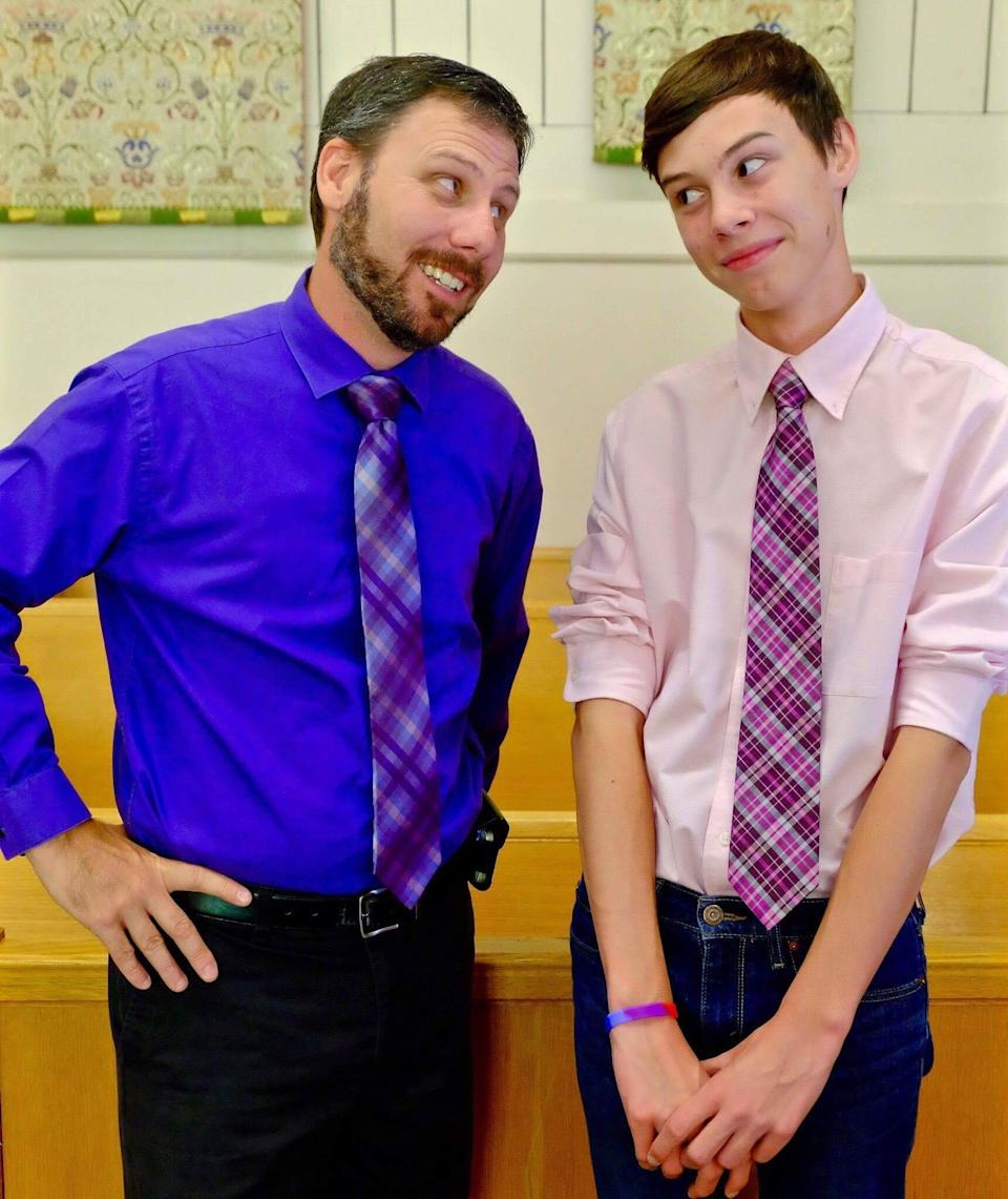 Beauty vlogger Andrew Edgerton and his super supportive father. (Photo: courtesy of Andrew Edgerton)