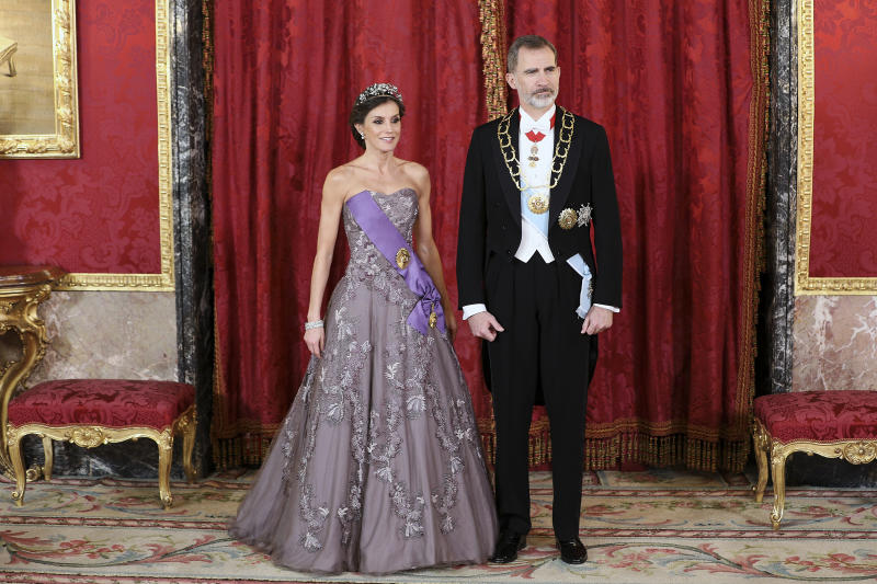 Queen Letizia of Spain and King Felipe VI of Spain attend a Gala Dinner in honour of Peruvian President Martin Alberto Vizcarra and wife at the Royal Palace on February 27, 2019 in Madrid, Spain.