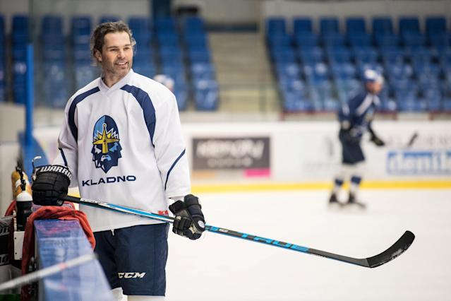 "Ice Hockey – Kladno Knights training – Kladno, Czech Republic – February 1, 2018. Kladno Knights' <a class=""link rapid-noclick-resp"" href=""/nhl/players/35/"" data-ylk=""slk:Jaromir Jagr"">Jaromir Jagr</a> during training. REUTERS/Stringer"