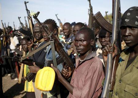 Jikany Nuer White Army fighters holds their weapons in Upper Nile State, South Sudan