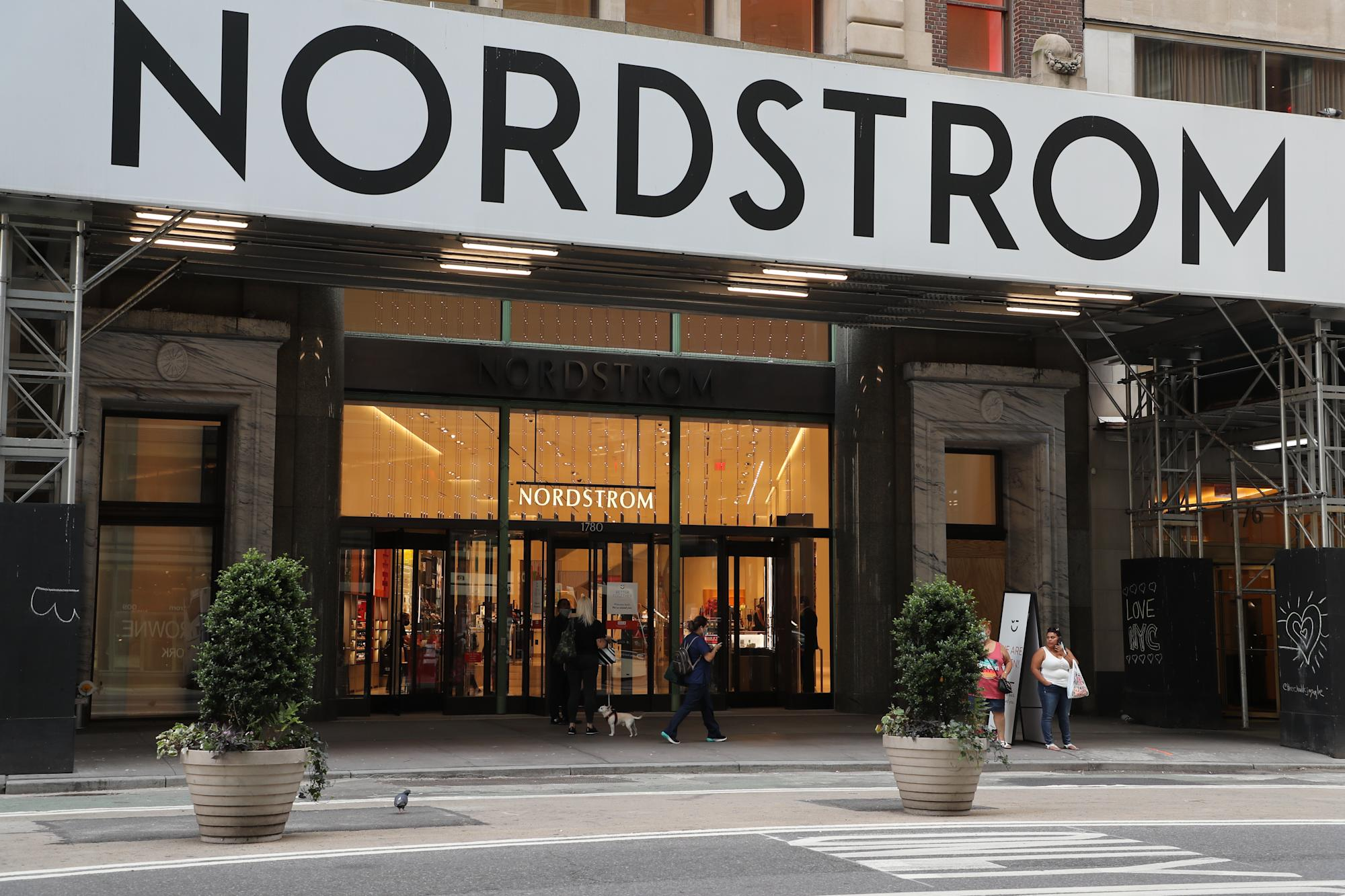 Theragun bundles are $100 off during the Nordstrom Anniversary Sale