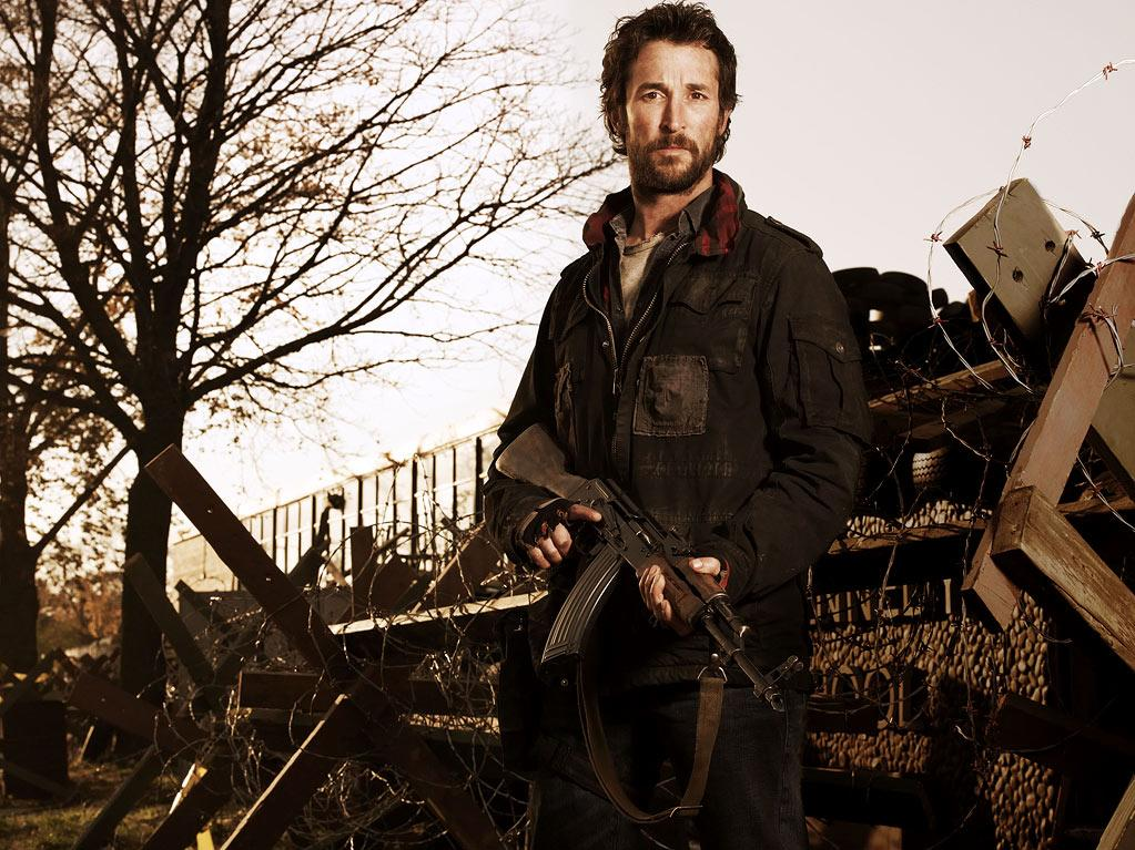 "Noah Wyle stars as Tom Mason in ""The Falling Skies."""