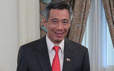 PM Lee Hsien Loong provides a solution for two-party government. (AP Photo)