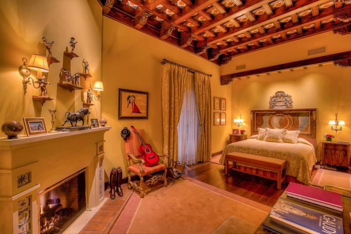 <p>This more masculine suite, with bullfighting and guitar motifs, is inspired by Spain. It too has a private courtyard. (Photo by Steve Brown/Sepia Productions)</p>