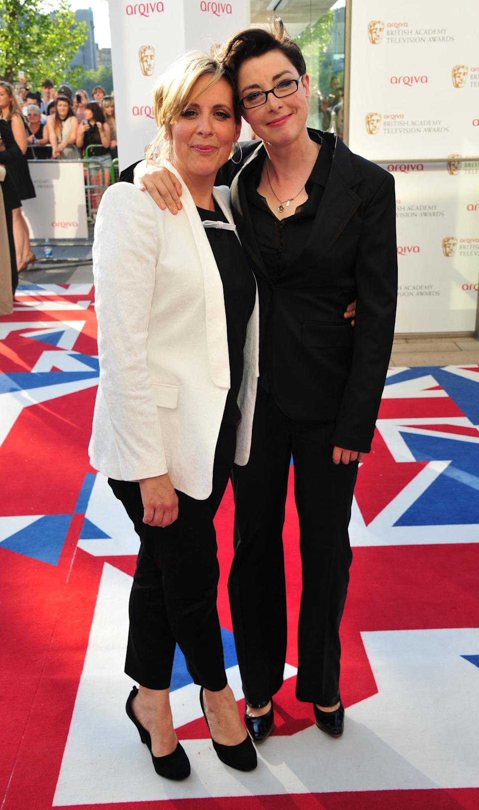 (L-R) Mel Giedroyc and Sue Perkins (Photo: Jon Furniss/Invision/AP)