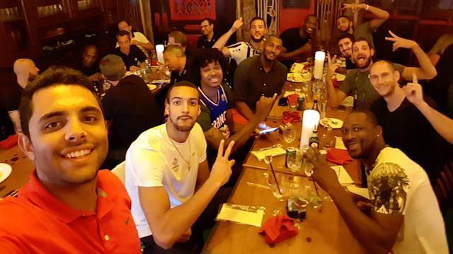 Vitor Galvani takes a selfie at dinner with the French national basketball team. (Facebook)