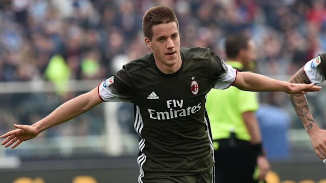 Mario Pasalic spared the blushes of goalkeeper Gianluigi Donnarumma as AC Milan came from behind to earn a 1-1 draw at bottom club Pescara.