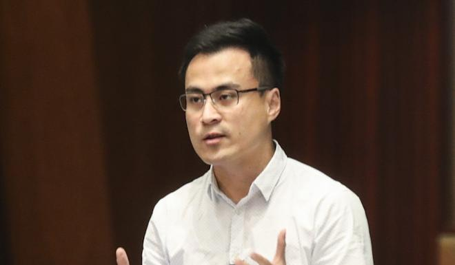 Pro-establishment lawmaker Aron Kwok accused his pro-democracy rivals of using councils as a political football. Photo: Edward Wong