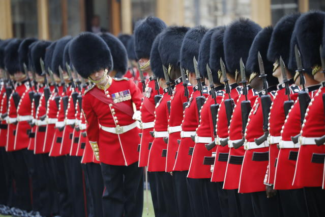 <p>The Guard of Honour at Windsor Castle in Windsor, England, prepares for the arrival of Queen Elizabeth II and U.S. President Donald Trump, Friday, July 13, 2018. (Photo: Pablo Martinez Monsivais/AP) </p>