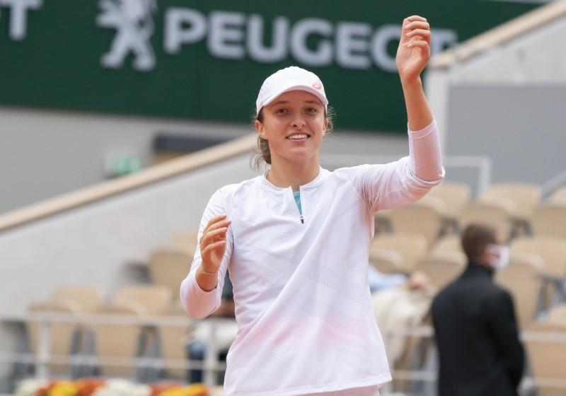 Swiatek says winning French Open title would be crazy