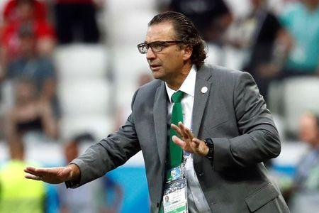 Soccer Football - World Cup - Group A - Saudi Arabia vs Egypt - Volgograd Arena, Volgograd, Russia - June 25, 2018 Saudi Arabia coach Juan Antonio Pizzi gestures during the match REUTERS/Damir Sagolj