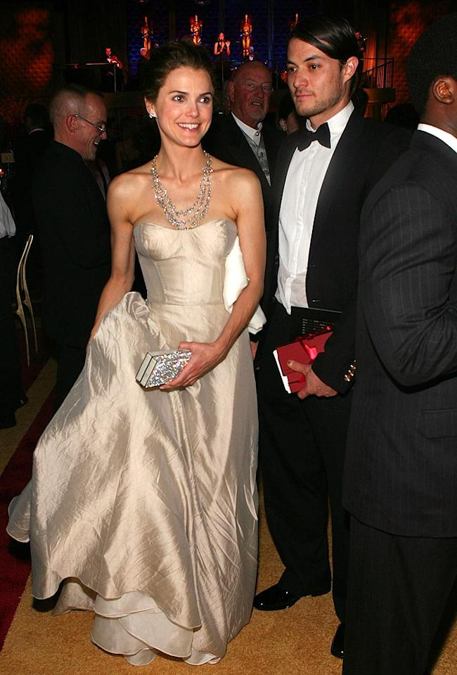 """Keri Russell almost looked like Cinderella as she and her dashing hubby Shane Deary made their way into the Governor's Ball. Frazer Harrison/<a href=""""http://www.gettyimages.com/"""" target=""""new"""">GettyImages.com</a> - February 24, 2008"""