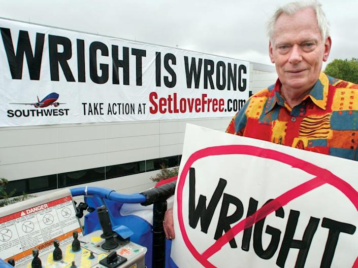 """Herb Kelleher with """"Wright is Wrong"""" slogan"""