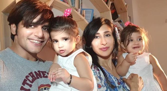 Karanvir Bohra and Teejay Sidhu with Bella And Vienna