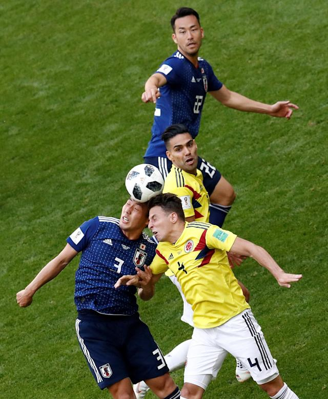 Soccer Football - World Cup - Group H - Colombia vs Japan - Mordovia Arena, Saransk, Russia - June 19, 2018 Colombia's Santiago Arias and Radamel Falcao in action with Japan's Gen Shoji and Maya Yoshida REUTERS/Damir Sagolj TPX IMAGES OF THE DAY