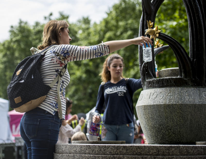 A total of 20 new water fountains are coming to London (Picture: PA)
