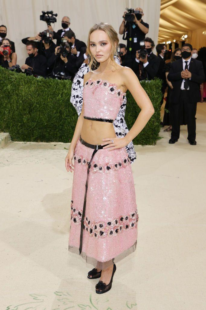 <p>The actor wore a Chanel two-piece. </p>