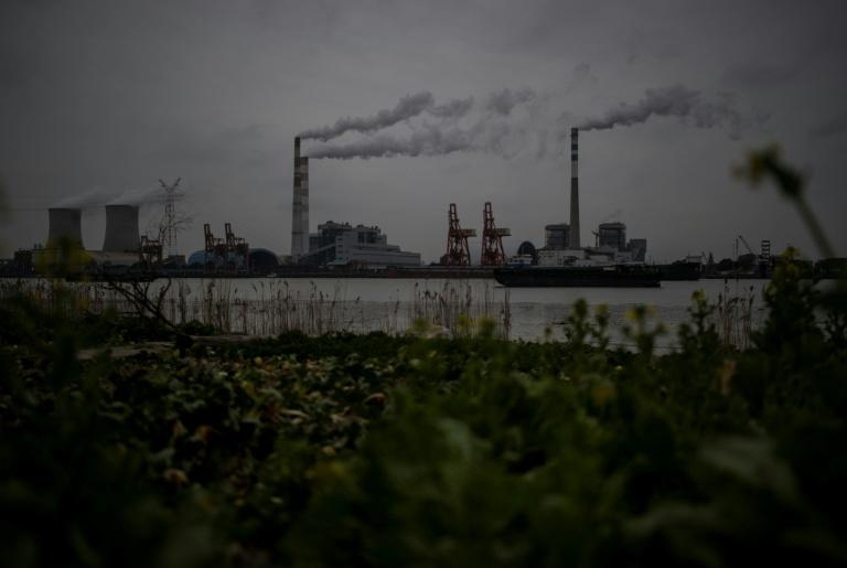 China joins with European Union in sticking to Paris climate pact