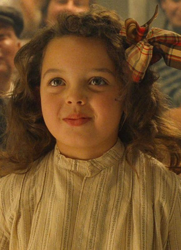 "<p>She's the actress who played <a href=""http://www.buzzfeed.com/keelyflaherty/heres-what-the-little-girl-from-titanic-looks-like-now#.tbVDZJmj6"" rel=""nofollow noopener"" target=""_blank"" data-ylk=""slk:Jack Dawson's &quot;best girl&quot;"" class=""link rapid-noclick-resp"">Jack Dawson's ""best girl""</a> (but perhaps his second-best dance partner) Cora in <em>Titanic</em>.</p>"