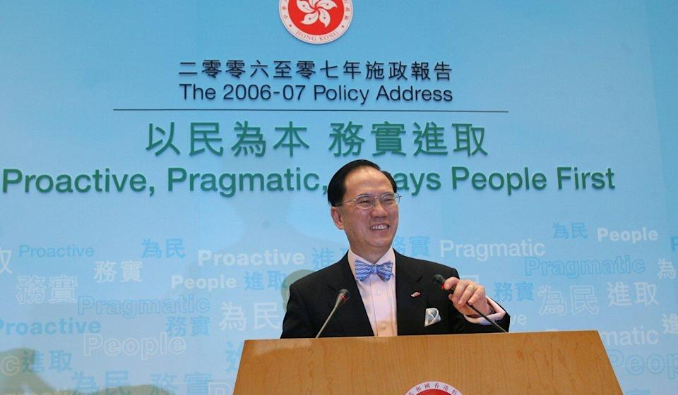 Donald Tsang in 2006, delivering his policy address. Photo: Martin Chan