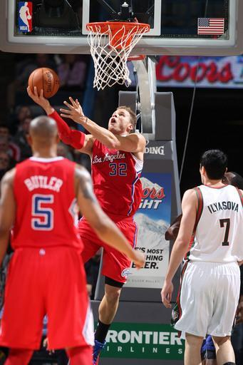 MILWAUKEE, WI - DECEMBER 15: Blake Griffin #32 of the Los Angeles Clippers shoots against the Milwaukee Bucks during the game on December 15, 2012 at the BMO Harris Bradley Center in Milwaukee, Wisconsin. (Photo by Gary Dineen/NBAE via Getty Images)