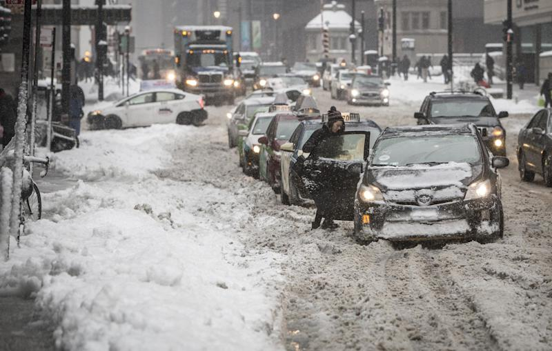 Winter storm: Snow blanketed the streets of Chicago: AP