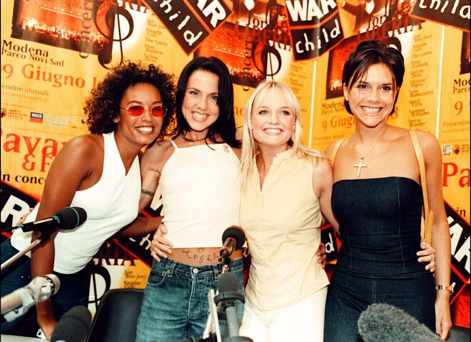<strong>1998</strong>  The Spice girls at a press conference in Modena