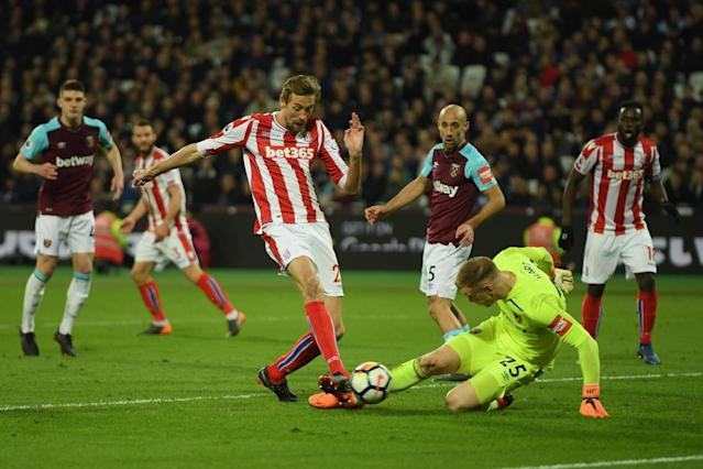 West Ham's Joe Hart will 'put things right' after error, says Andy Carroll