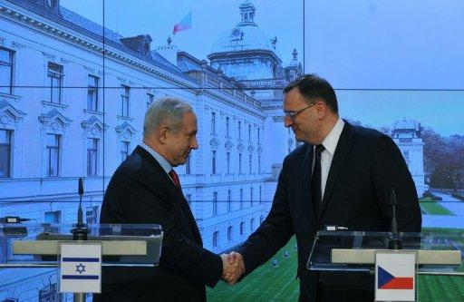 """Netanyahu thanked Prague for its """"courageous"""" support in the UN vote"""
