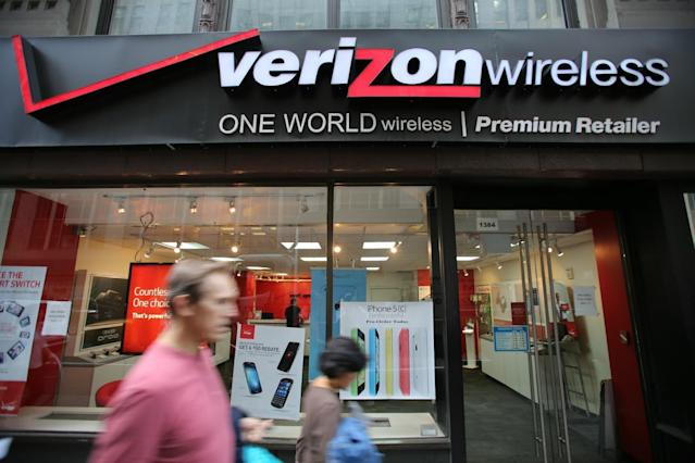Most Americans buy phones from network carriers like Verizon, AT&T and T-Mobile. (Photo: Digital Trends)