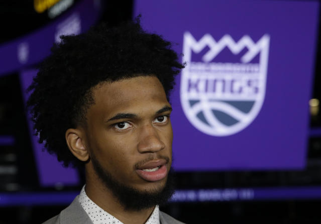 "<a class=""link rapid-noclick-resp"" href=""/ncaab/players/142114/"" data-ylk=""slk:Marvin Bagley III"">Marvin Bagley III</a>'s welcome-to-the-NBA moment went a lot smoother than it does for a lot of rookies. (AP)"